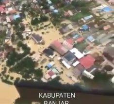 Basarnas dan Tim SAR Bantu Evakuasi Korban Banjir HST