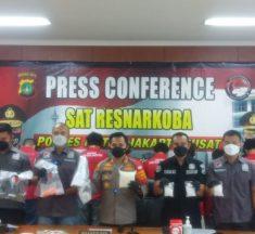 Sat Resnarkoba Polres Jakpus Berhasil Ungkap Home Industri Sabu dan Inex Palsu
